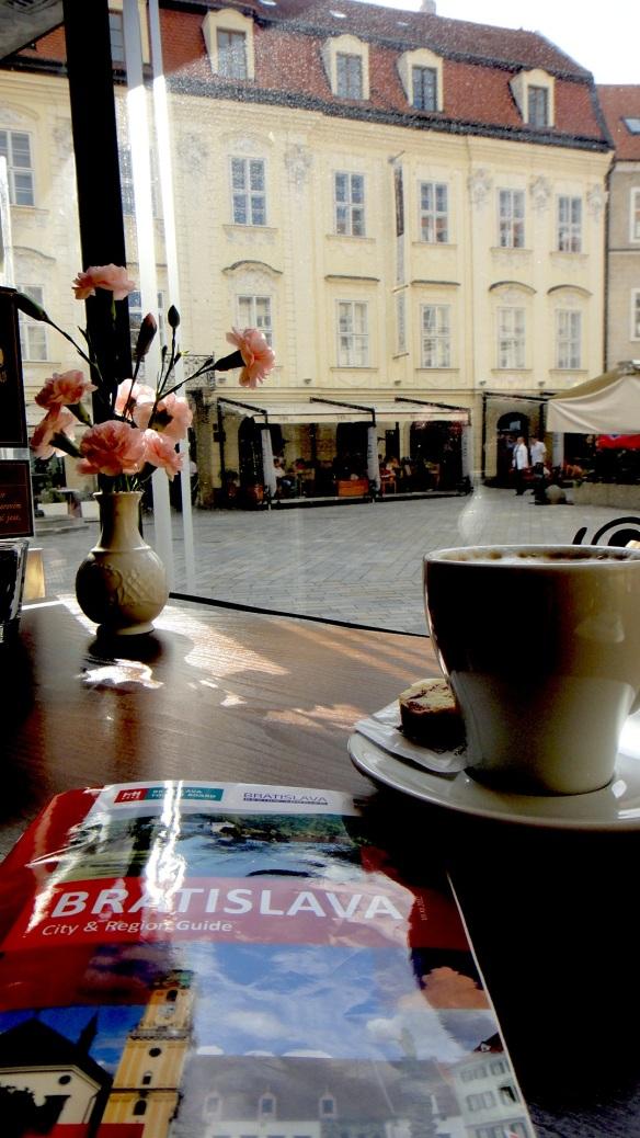 12 BRATISLAVA - SCHLOSS CAFE